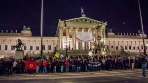 Wien Kobane Demo vor dem Parlament 06.10.2014